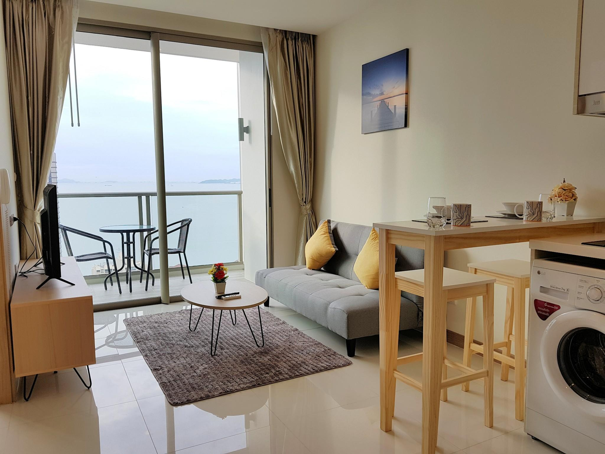 1 Bedroom With Sea View@Riviera By Pattaya Holiday