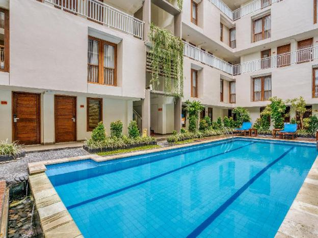 Two-story air-conditioned loft close to the main road in the Legian district