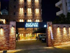 August Boutique Hotel