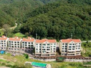 關於SM 魯維爾度假村 (SM Ruvill Resort)