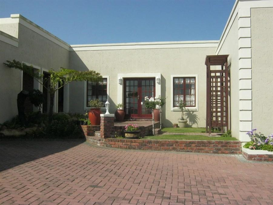 Green Pastures Bed And Breakfast