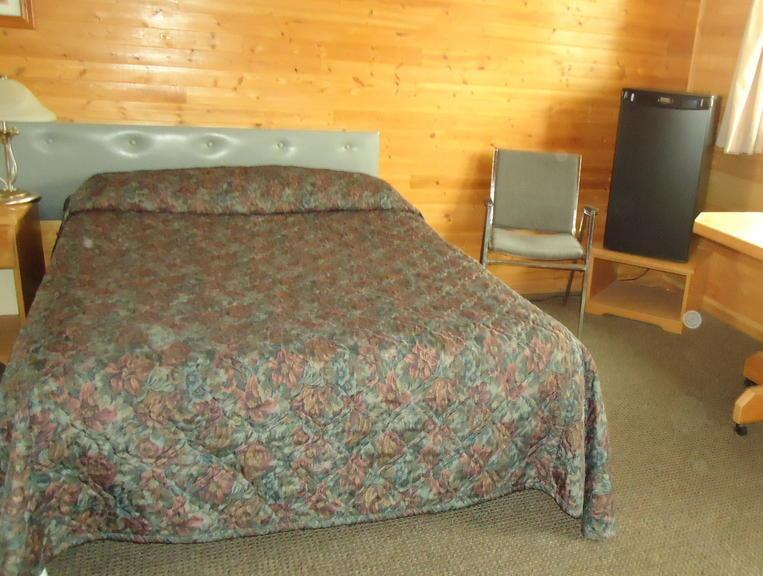 Dreamland Motel 3