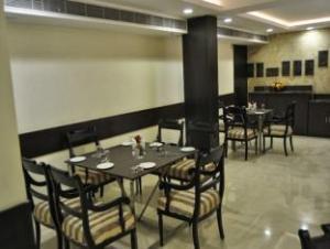 Mapple Express Hotel - Kailash Colony