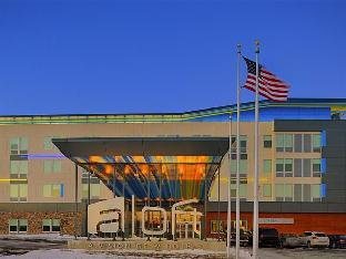 Book Now Aloft Beachwood (Beachwood, United States). Rooms Available for all budgets. Stay connected with Wi-Fi at the non-smoking Aloft Beachwood which also offers ultramodern rooms a chic area for eating and drinking and an indoor splash pool. The four-story