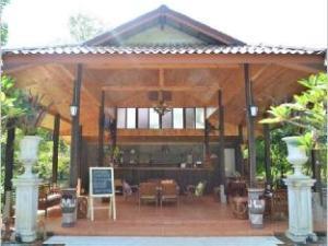마담 리조트  (Madam Resort)