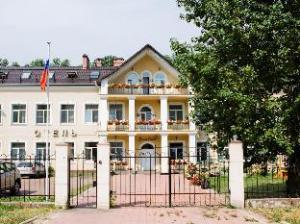 Elizar Hotel