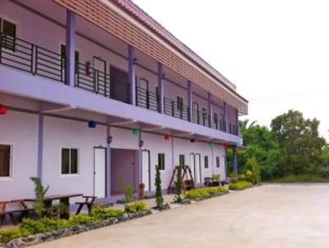 หลุยส์ แอนด์ สไปรท์ โฮม รีสอร์ท – Louis and Sprite Home Resort