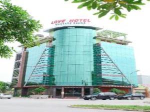 關於愛情旅館 (Love Hotel)