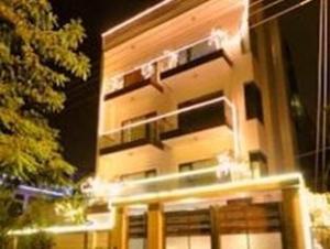 The G-8 Noida Hotel