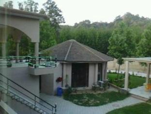 Nirvana Resorts Hotel And Spa 4