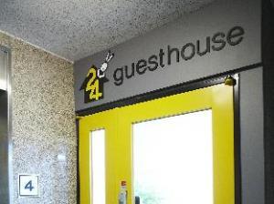 24 Guesthouse Edae