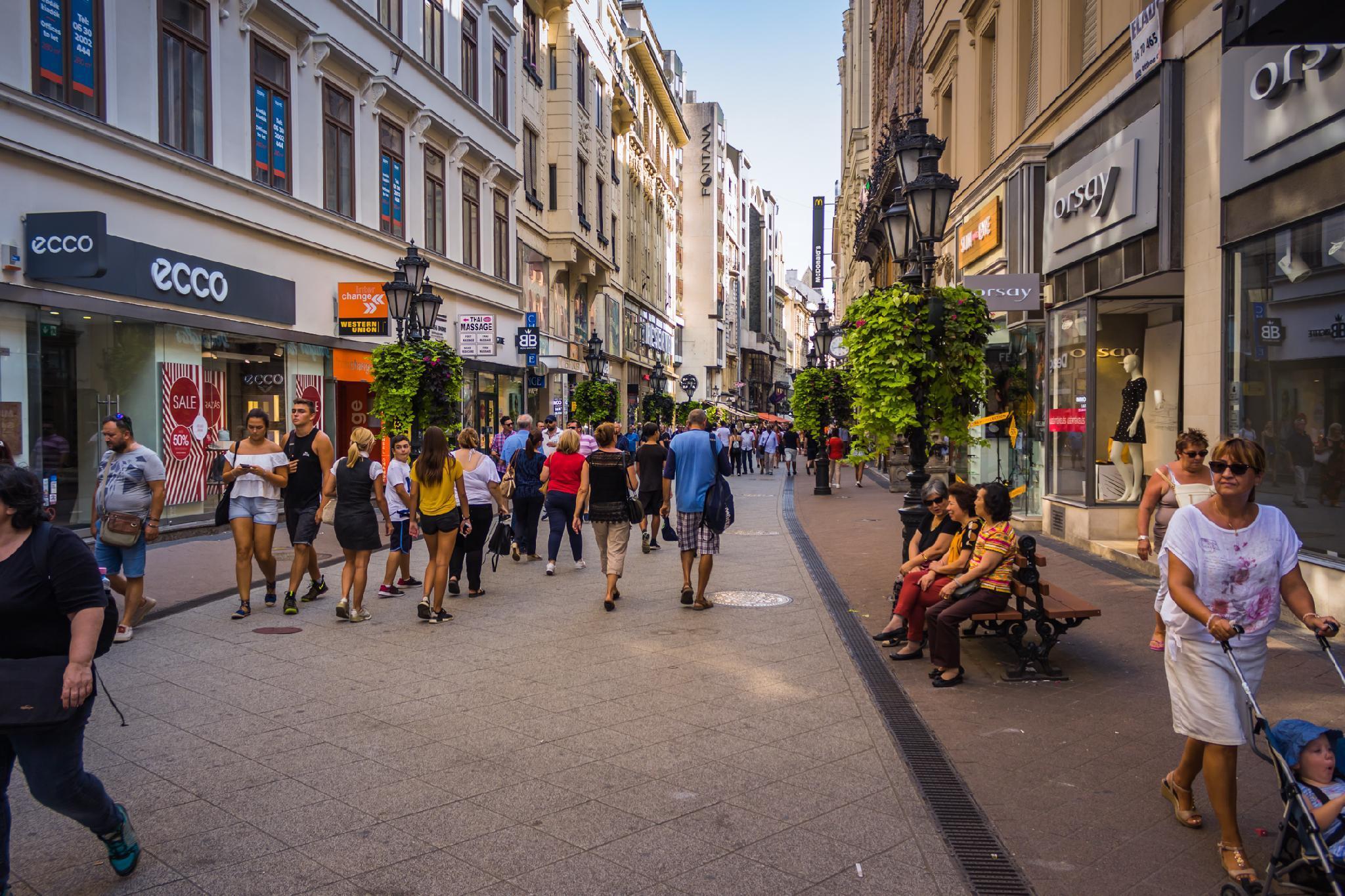 Premium Serviced Residences   Vaci Fashion Street