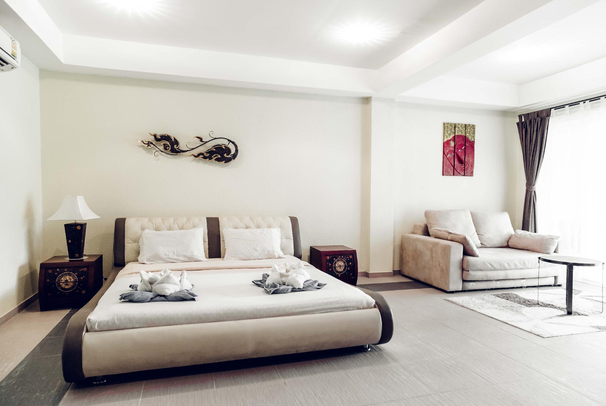 Modern Studio Apartment Beachfront