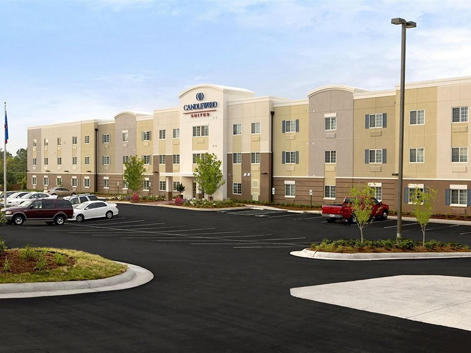 Candlewood Suites Youngstown W   I 80 Niles Area