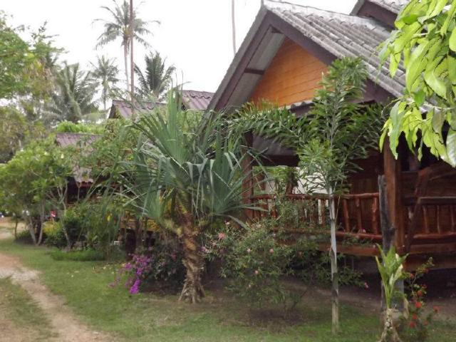 ป่าทราย บีช ลอดจ์ – Pasai Beach Lodge