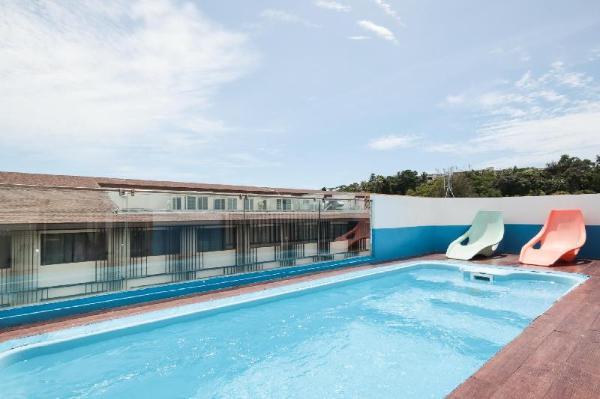 OYO 1074 Fin Hostel Phuket
