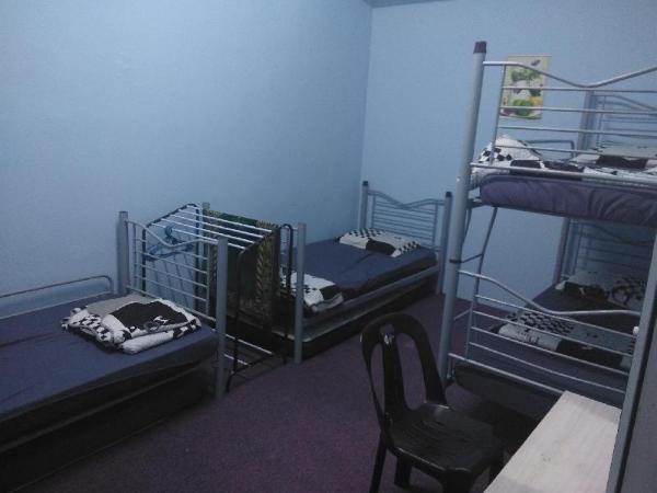 Ali HomeHotel Room 2 (4 beds Hostel Sharing Room) Kuala Lumpur