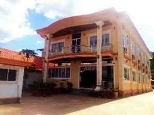 Aom Chai Hotel