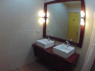 picture 4 of GraceHill EconoSuites Hotel