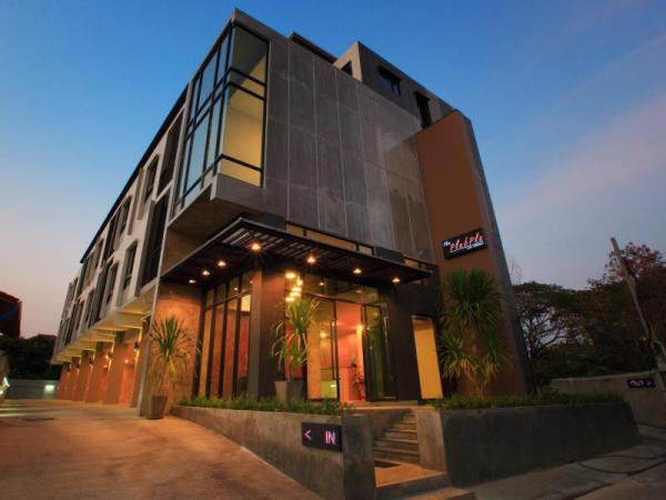 The Plubpla Serviced Apartment Bangkok