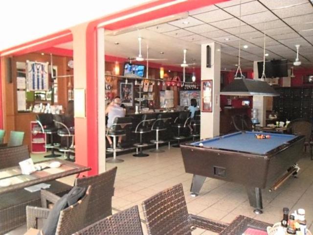 วาเลนไทน์ เกสต์เฮาส์ แอนด์ เนด เคลลี บาร์ – Valentines Guest House and Ned Kelly Bar