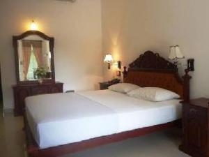 Sarathchandra Guest House