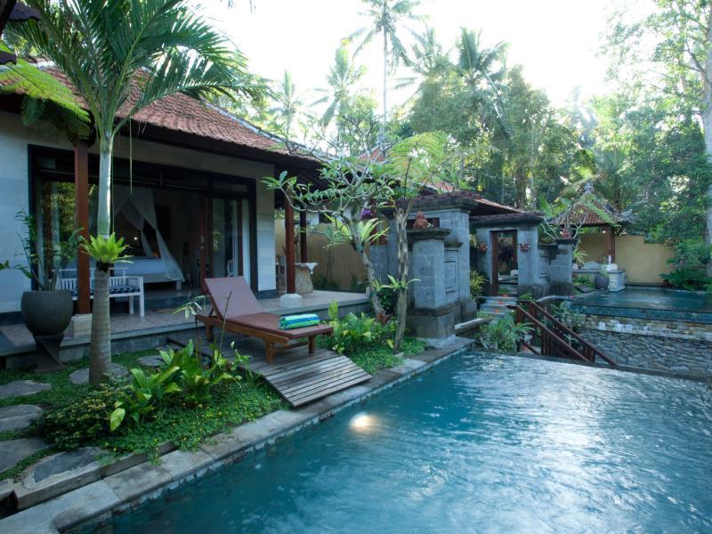 Segening Private Villa