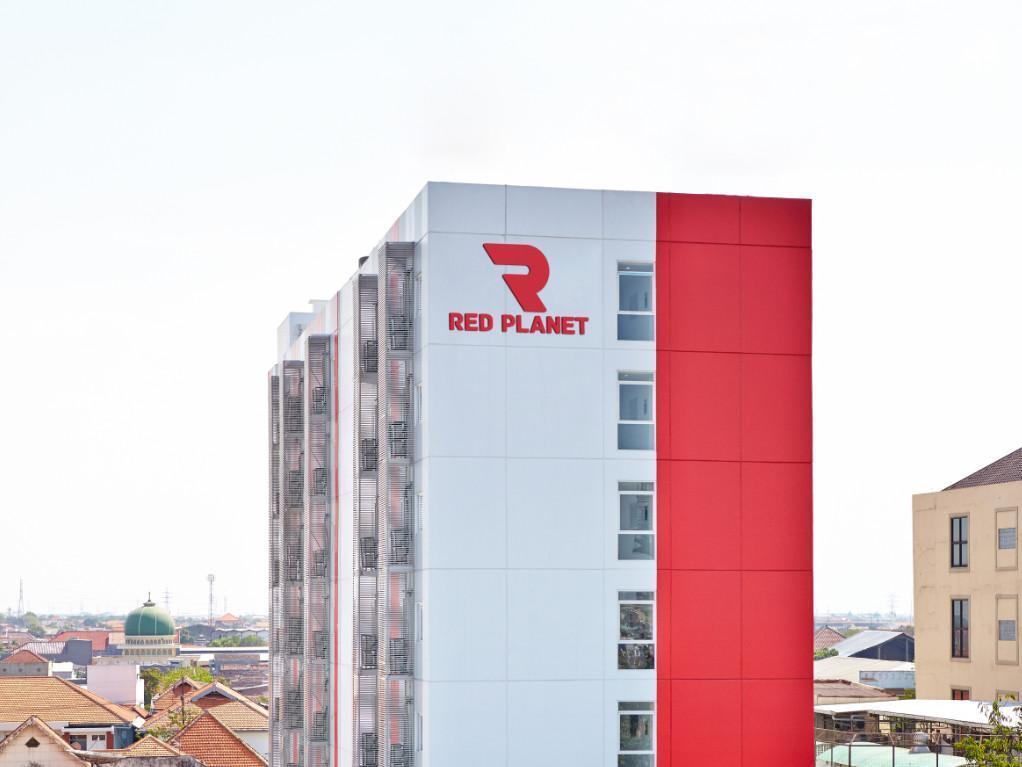 Red Planet Surabaya