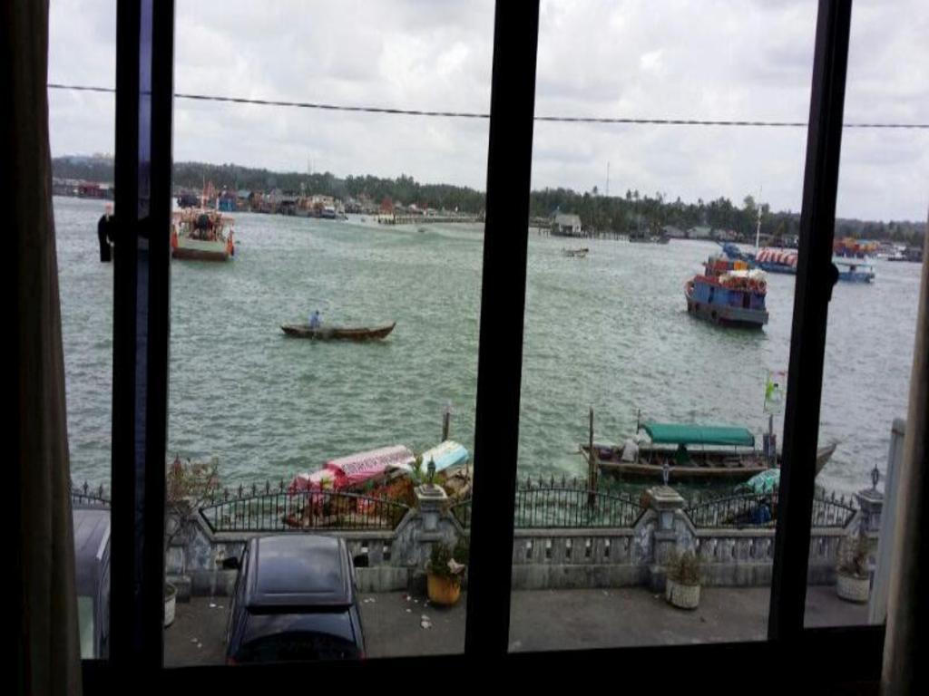 Hotel Laut Jaya Hotel Laut Jaya Properti Pesan Sekarang