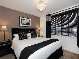 Фото отеля Oakhill Apartments City Centre Dee Village