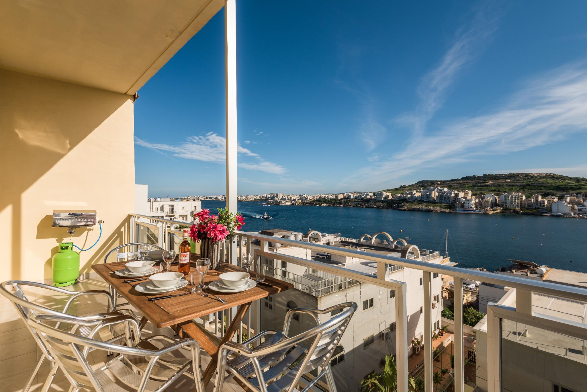 Bayview  Apt With A Sunny Sea View Terrace And BBQ