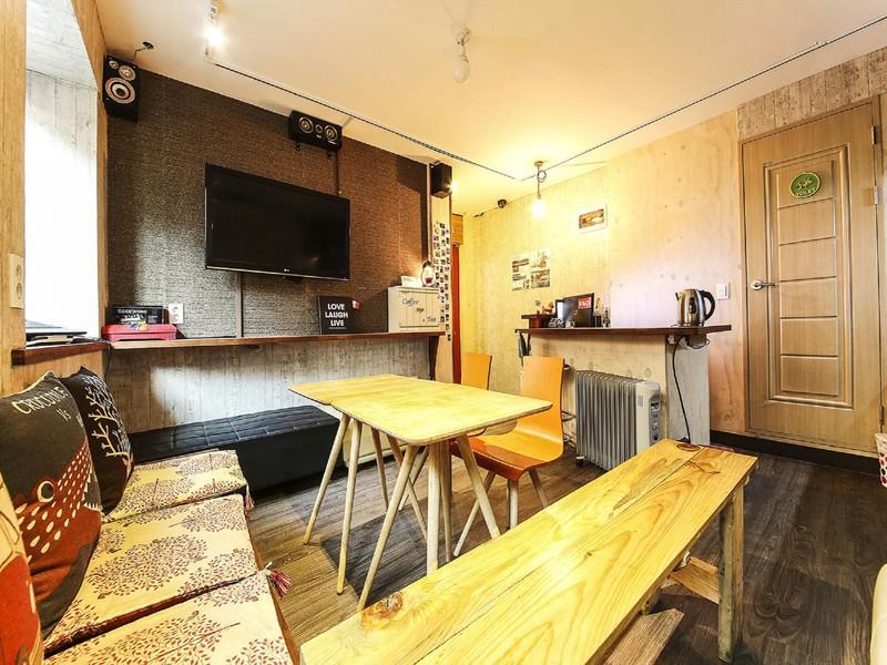 Fully Hong Hostel