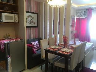 picture 3 of Comfy Pink Condo