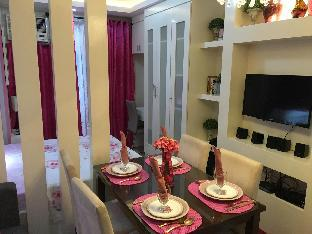 picture 5 of Comfy Pink Condo
