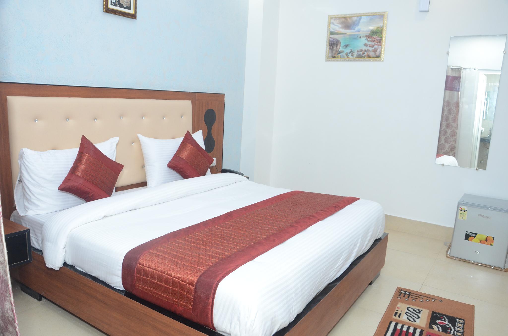 Hotel Noida Suites