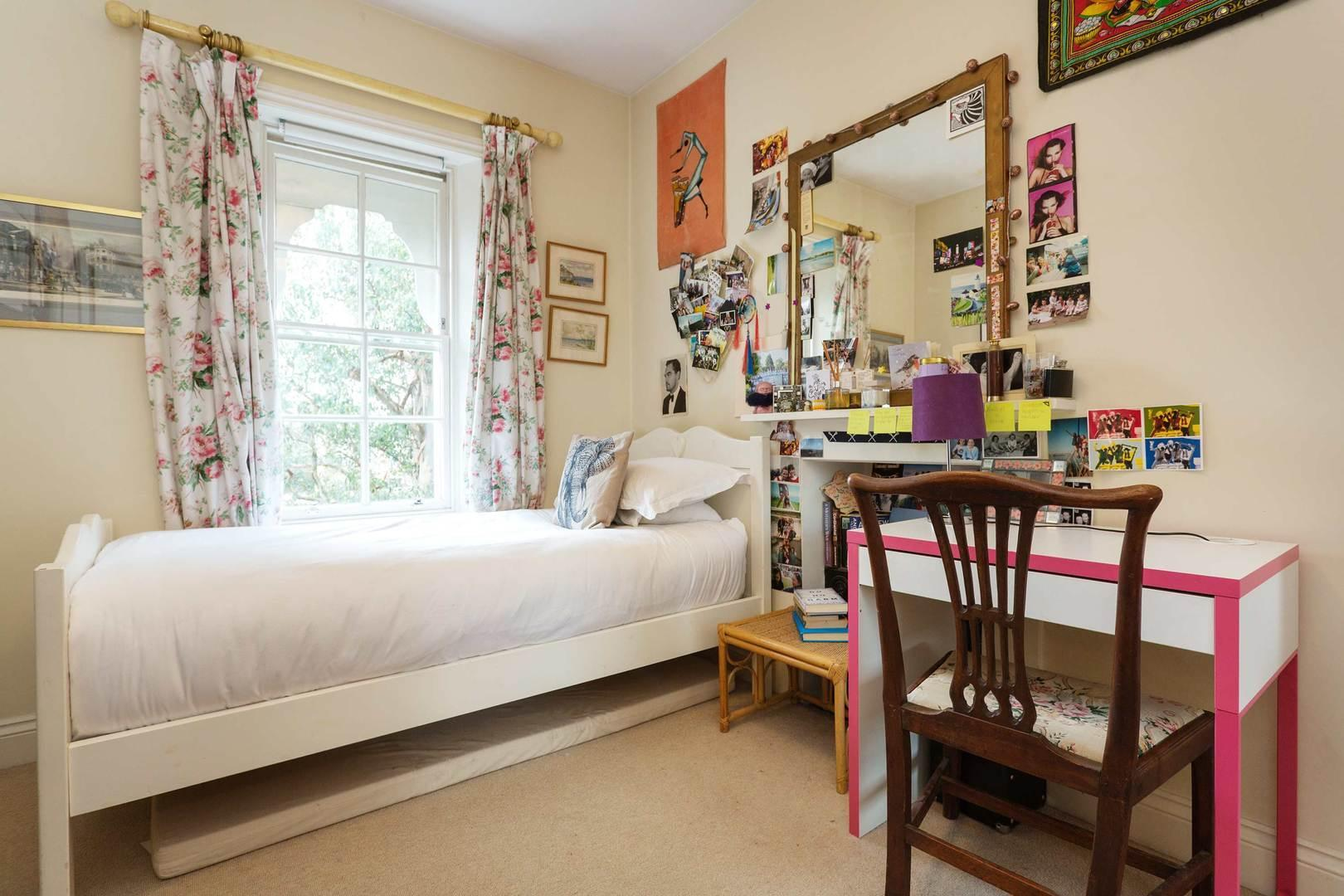 Price Family Style by Ravenscourt Park