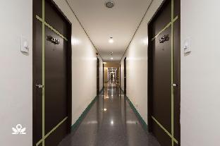 picture 3 of ZEN Rooms Vinia EDSA Q.C