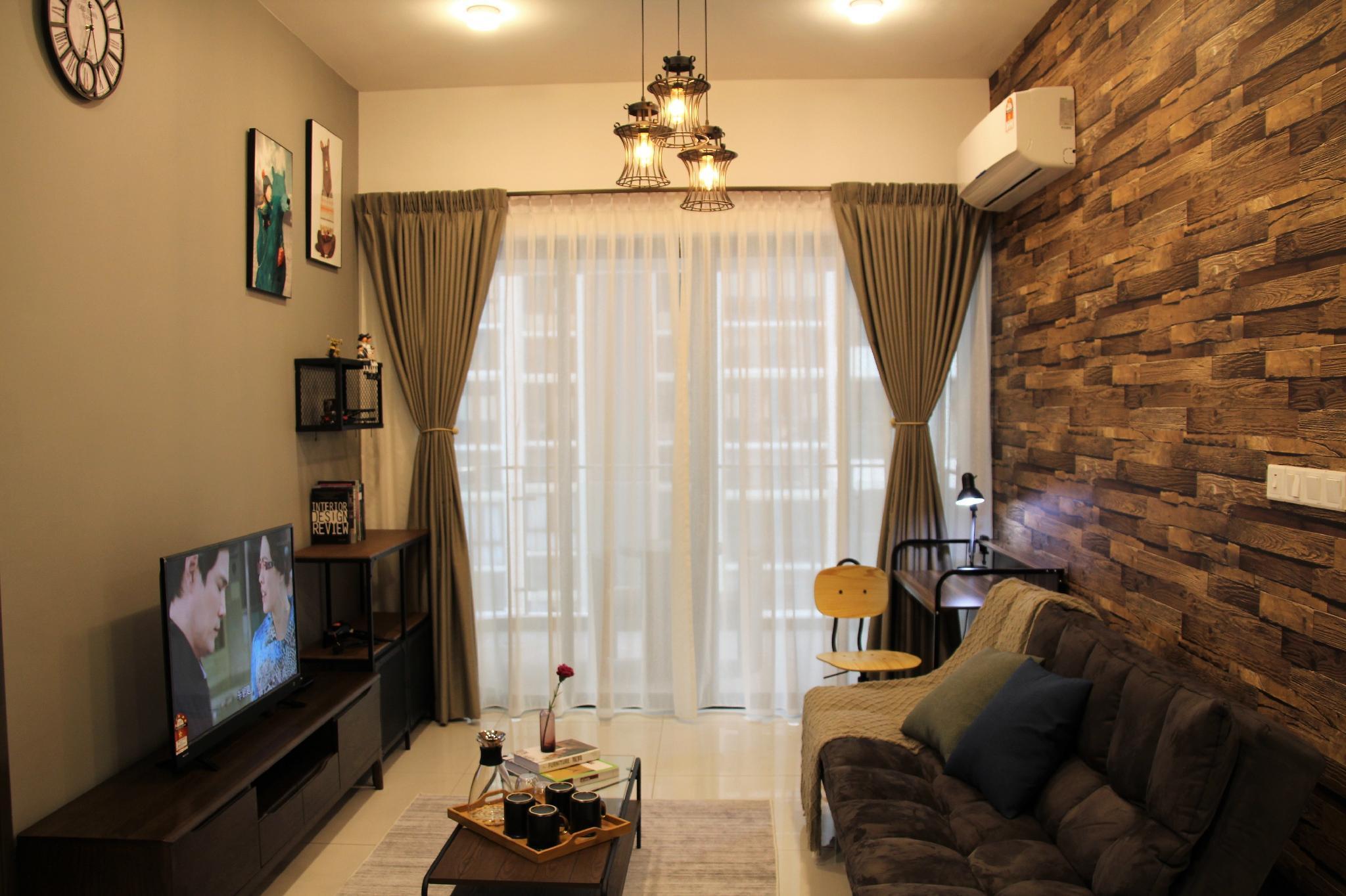 WOW *Beachfront*Luxury Designer Suite @ Danga Bay