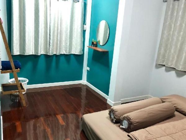 HouseFourTwo Nice and cozy home #3 Bangkok