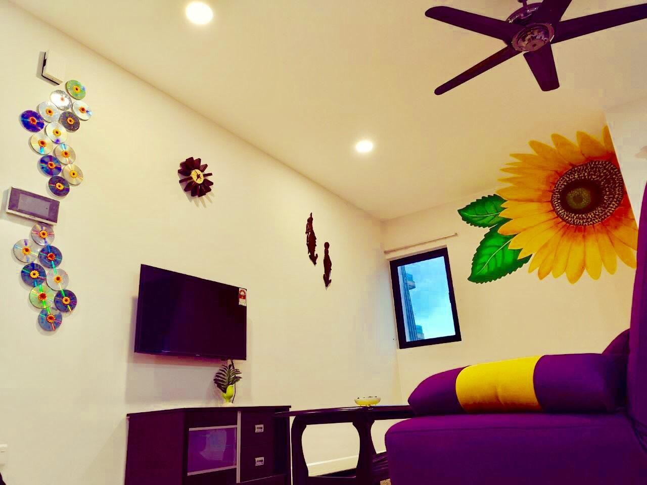 JB Town Executive Suite 688sf 1 4pax Free Wifi