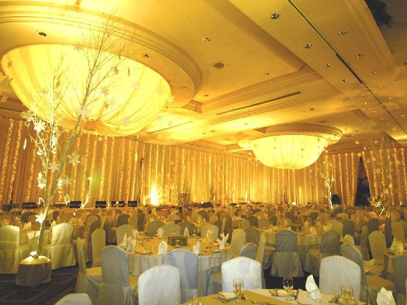 Palace of the golden horses hotel kajang malaysia - Palace of the golden horses swimming pool ...