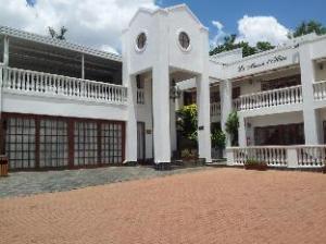 La Maison d Hotes Guest House