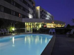 Quality Suites Bordeaux Airport and Spa