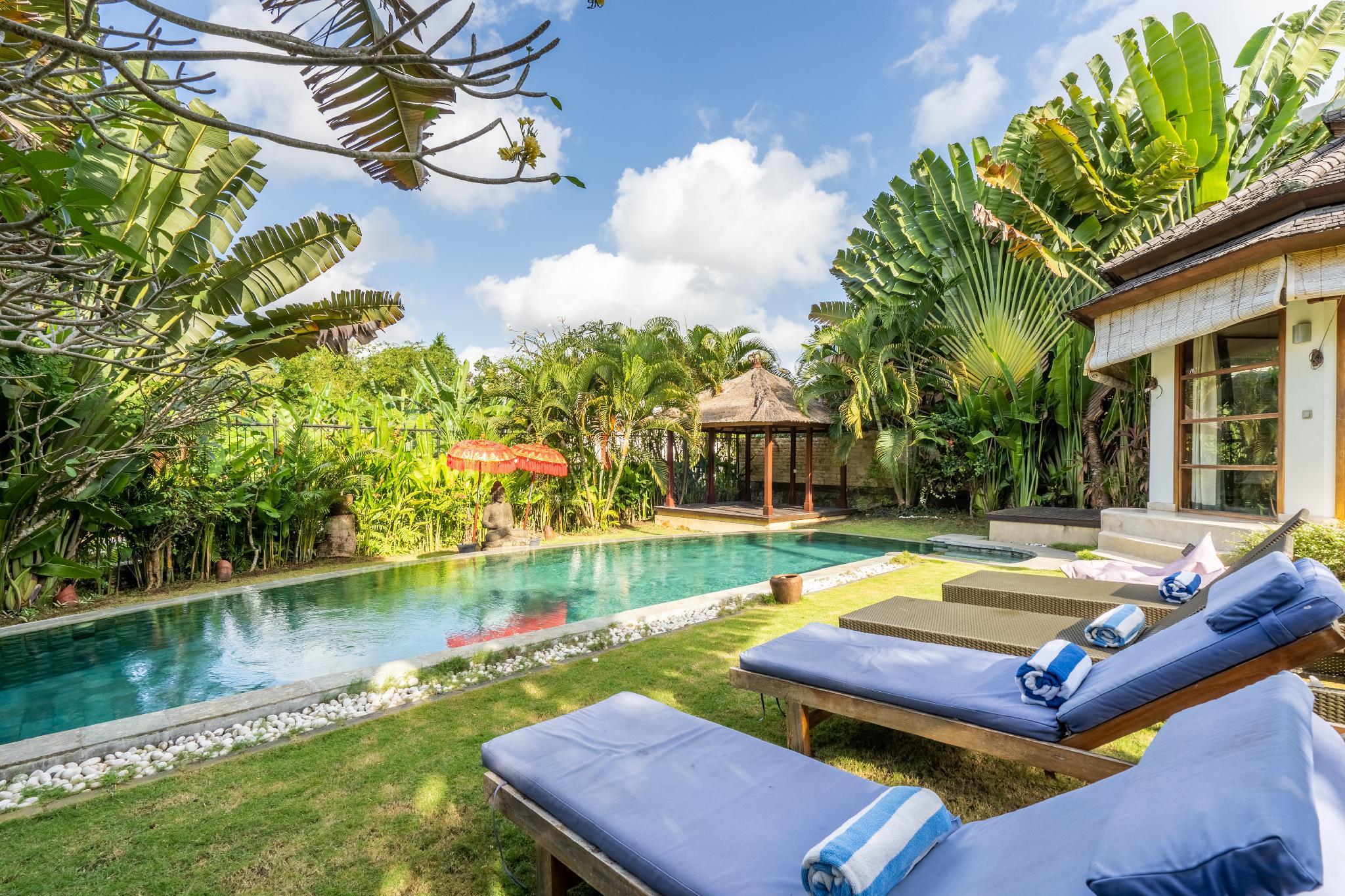 Spacious 3 Bedroom Pool Villa Berawa Beach Canggu