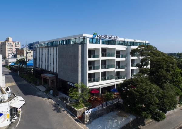 Cheonjiyeon Crystal Hotel