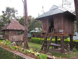 picture 3 of Pine Breeze Cottages
