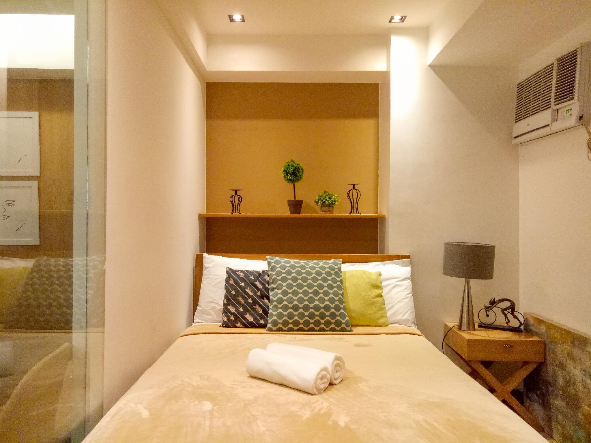 Grand Canal Mall 1BR + WiFi At BGC Taguig
