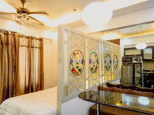picture 5 of Cozy 1BR next to Venice Mall at BGC + WiFi Taguig