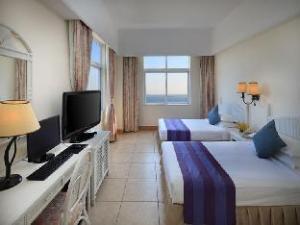 Golden Phoenix Seaview Hotel