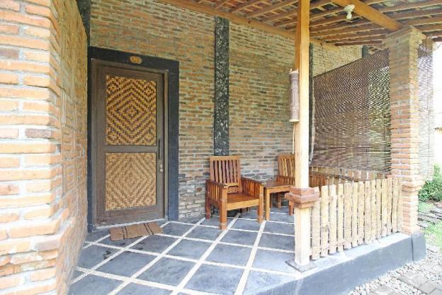 RedDoorz near Candi Pawon Borobudur